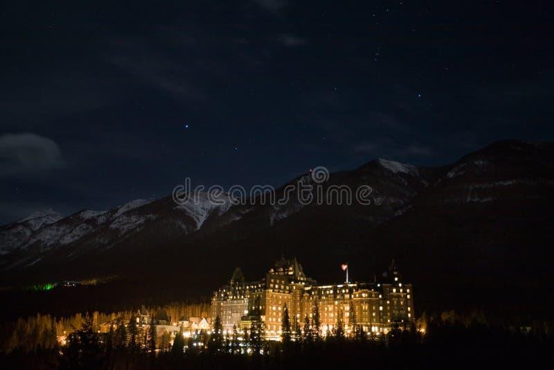 Banff bij nacht stock foto