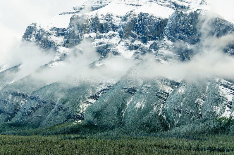 Banff Natoinal parka Rundle góry śnieg obrazy stock