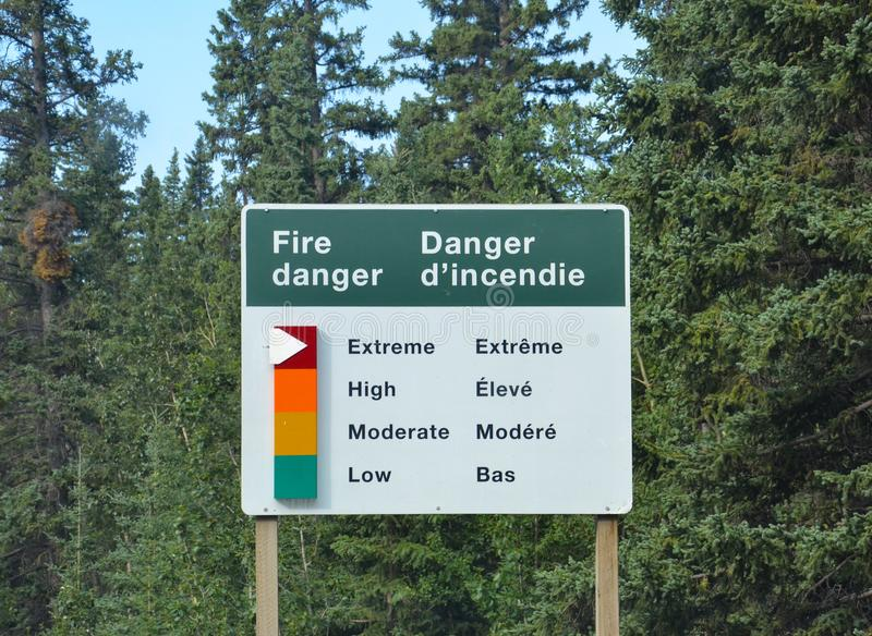 Banff - signe de danger du feu images libres de droits