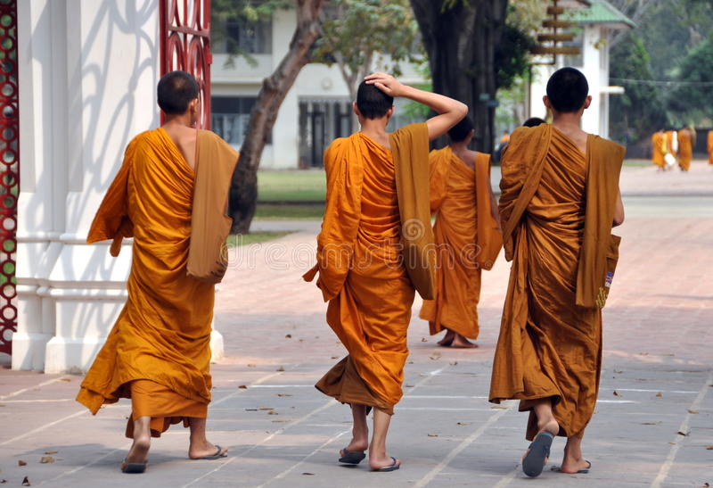 Bang Pa-In, Thailand: Novice Monks