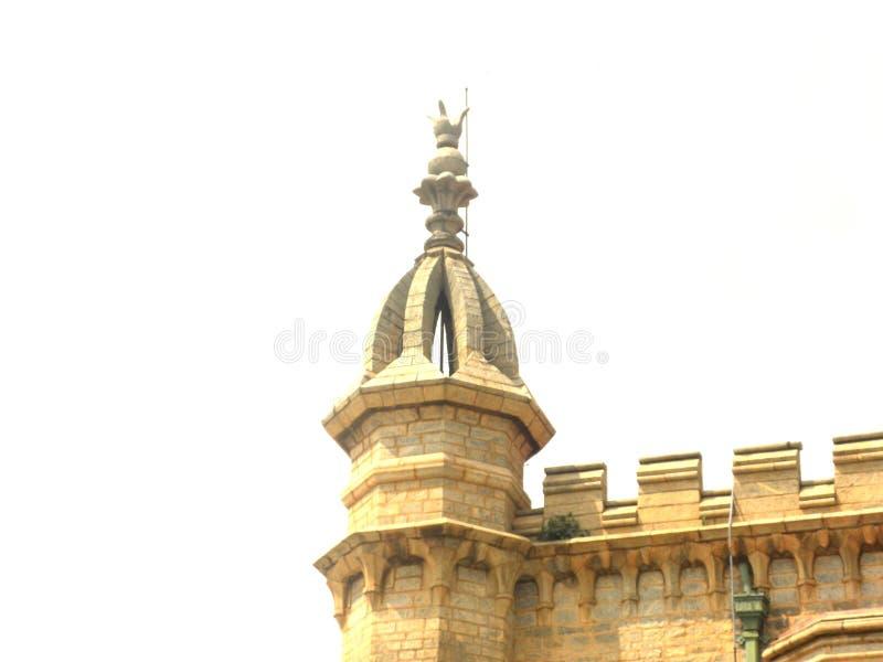 Bangalore, Karnataka, Índia - 23 de novembro de 2018 torreta floral do vértice no palácio de Bangalore imagens de stock royalty free