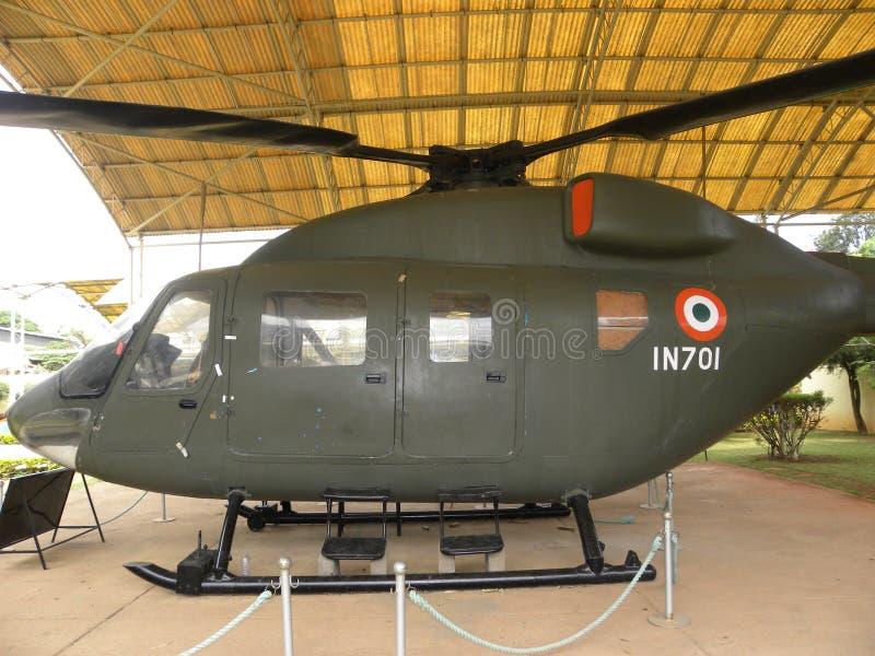 Bangalore Karnataka, Indien - Januari 1, 2009 avancerad ljus helikopter med kontrollsystemet AFCS för automatiskt flyg royaltyfri bild