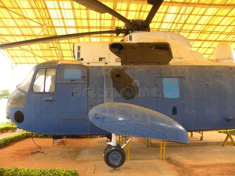 Bangalore Karnataka, Indien - Januari 1, 2009 Sea King MK 42 helikopter som används för anti-ubåtkrig arkivfoton
