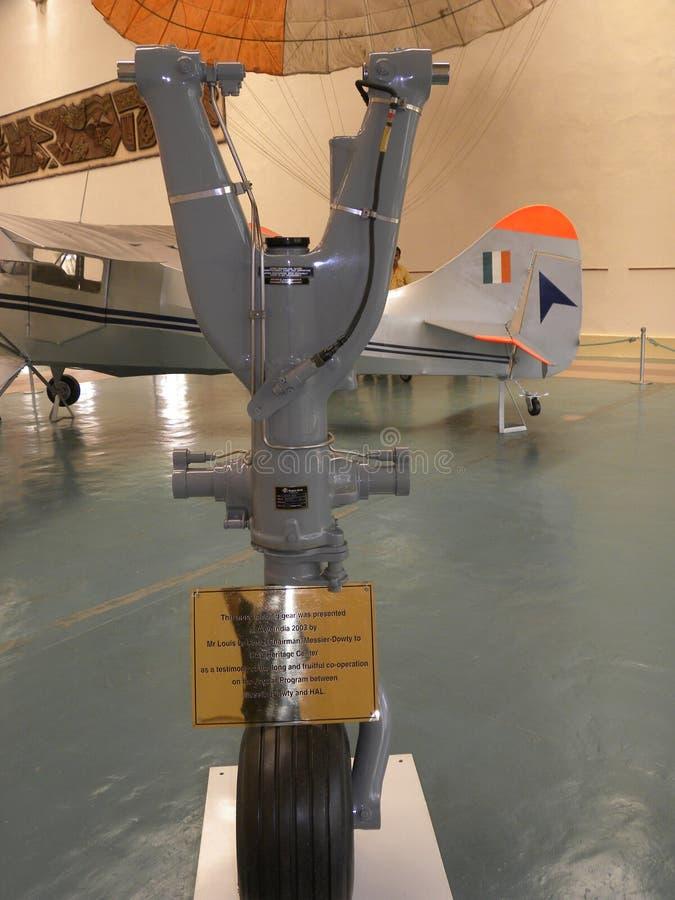 Bangalore, Karnataka, Indien - riechen Sie 1. Januar 2009 Fahrwerk eines Flugzeuges bei HAL Aerospace Museum stockfotografie