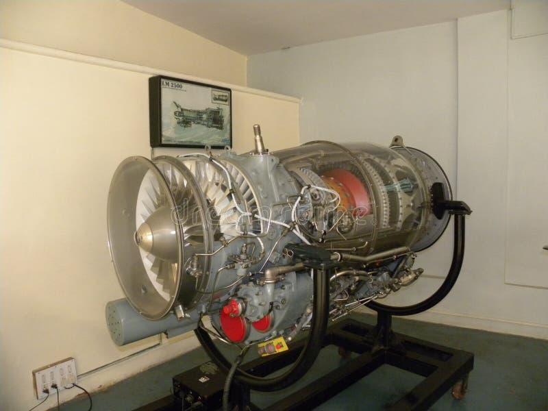Bangalore, Karnataka, la India - 1 de enero de 2009 motor de la fan de turbo del flujo axial de Adour MK 811 usado en los aviones imagen de archivo