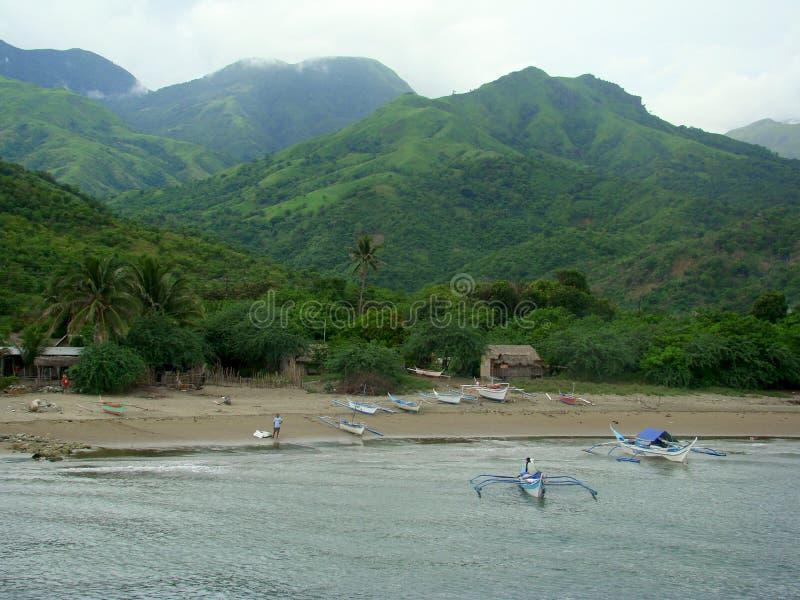 Bangkas, un type traditionnel de bateaux de tangon employés par les pêcheurs artisanaux philippins images libres de droits