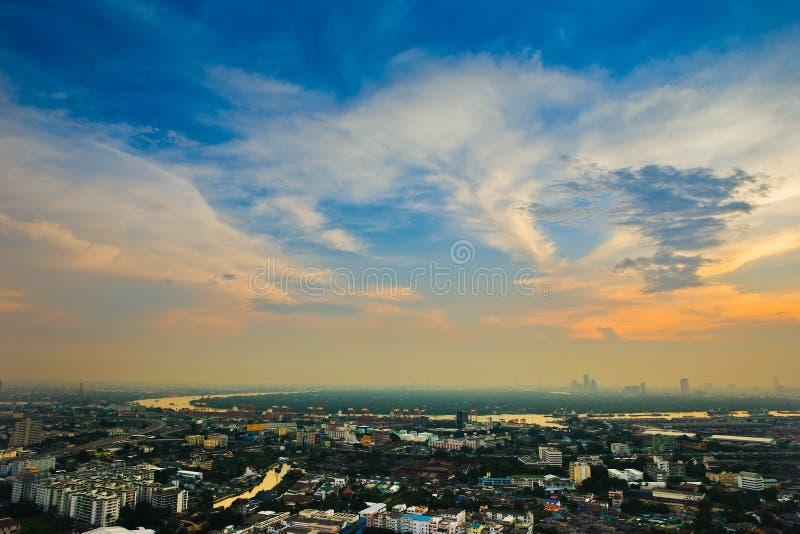 Bangkok bei Sonnenuntergang stockbilder