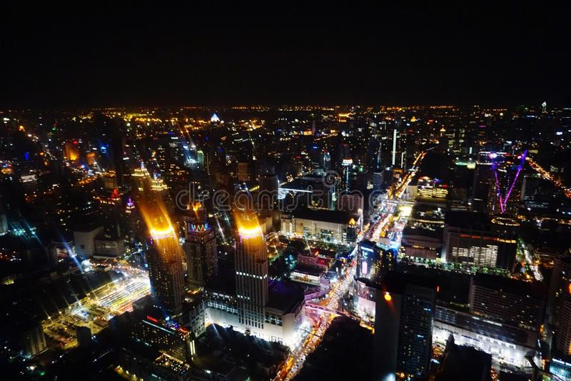 Bangkok bij nacht stock foto's