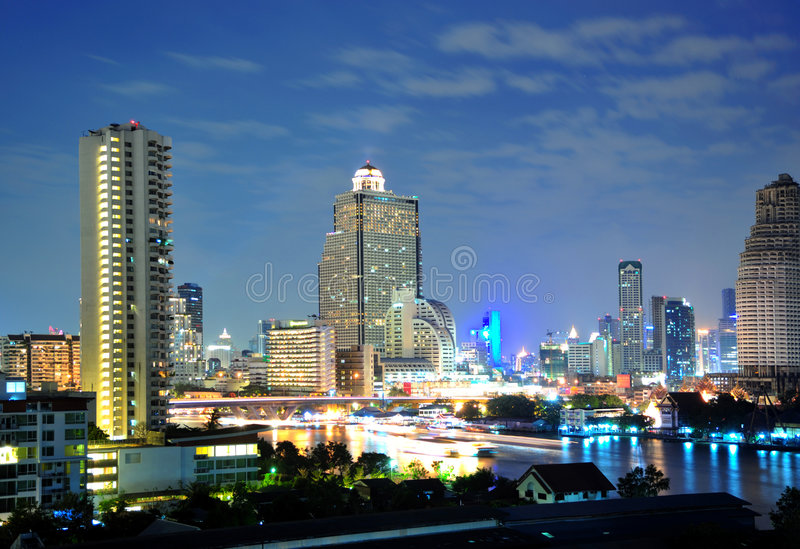 bangkok bridżowy thaksin widok zdjęcia stock