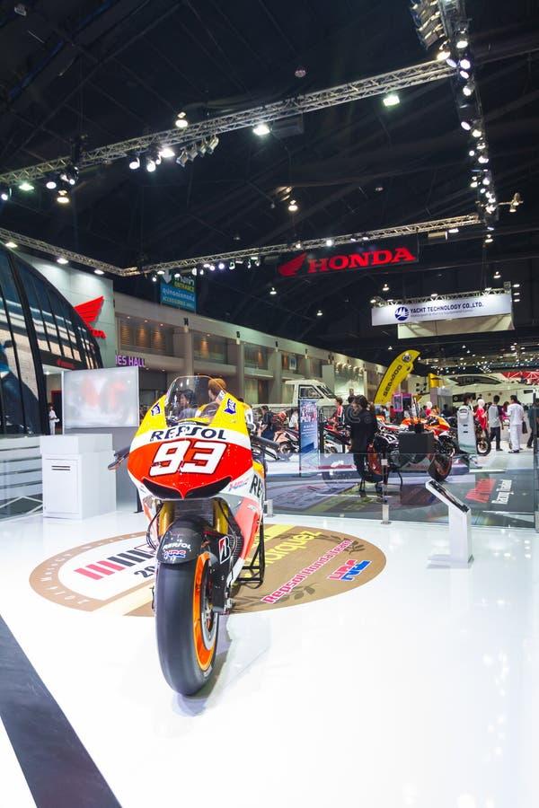 BANGKOK - 30 DE MARZO: Motocicleta de Honda en la exhibición en el 36.o salón del automóvil internacional de Bangkok el 30 de mar fotos de archivo