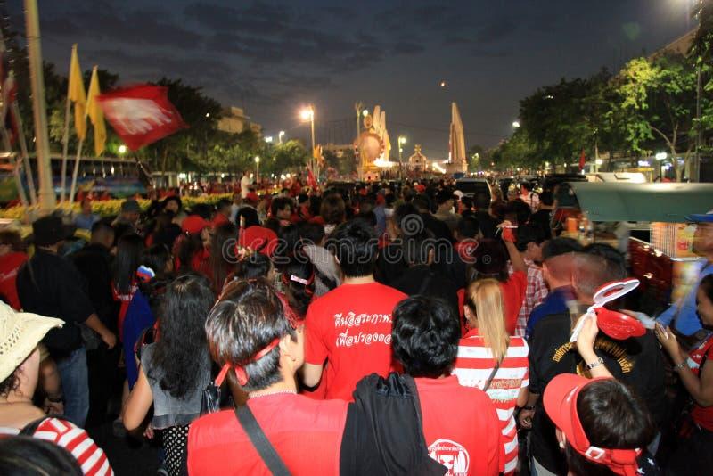 BANGKOK - 10. DEZEMBER: Rote Hemd-Protest-Demonstration - Thailand stockbild