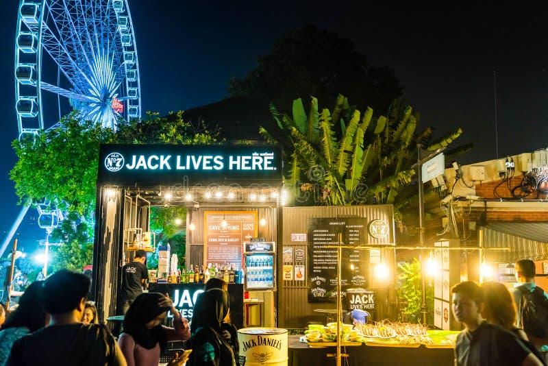 BANGKOK - 21 GENNAIO 2018: ASIATIQUE il lungofiume la maggior parte del popula fotografia stock