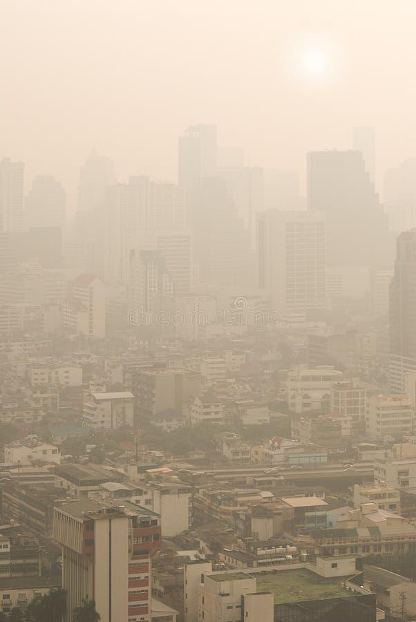 Bangkok im Smog lizenzfreie stockfotos