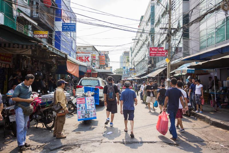 BANGKOK - JANUARY 16, 2017: People in Klongthom Market in Bangkok. BANGKOK - JANUARY 16, 2017: People in Klongthom Market in Bangkok Thailand stock photo
