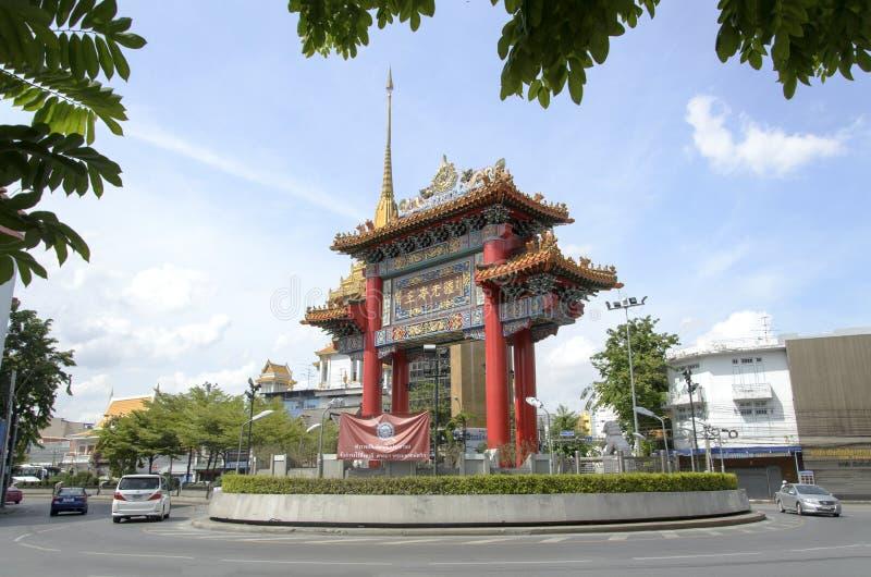 BANGKOK - 7 juli: Poort van Road van Chinatownyaowarat, hart stock foto's