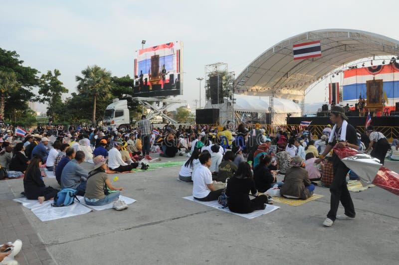BANGKOK, LISTOPAD - 27: Niezidentyfikowani anci rządowi protestujący zdjęcie stock