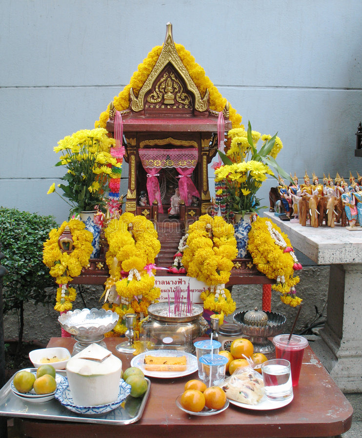 Bangkok, maison religieuse d'esprit image libre de droits
