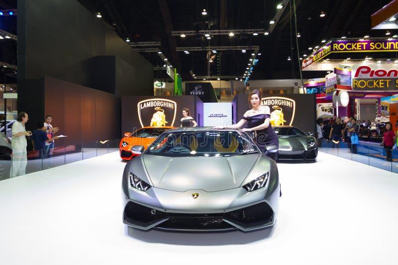 BANGKOK - MARS 30: Lamborghini bil på skärm på Bangkok för th 36 den internationella motoriska showen på mars 30, 2015 i Bangkok, royaltyfri bild