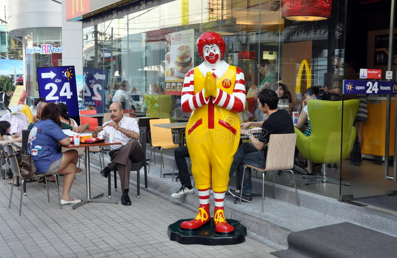 bangkok mcdonald restaurang s thailand royaltyfri bild