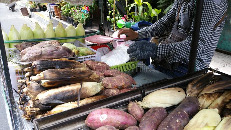 Bangkok, mercato tailandese della città, bello visto fotografia stock libera da diritti