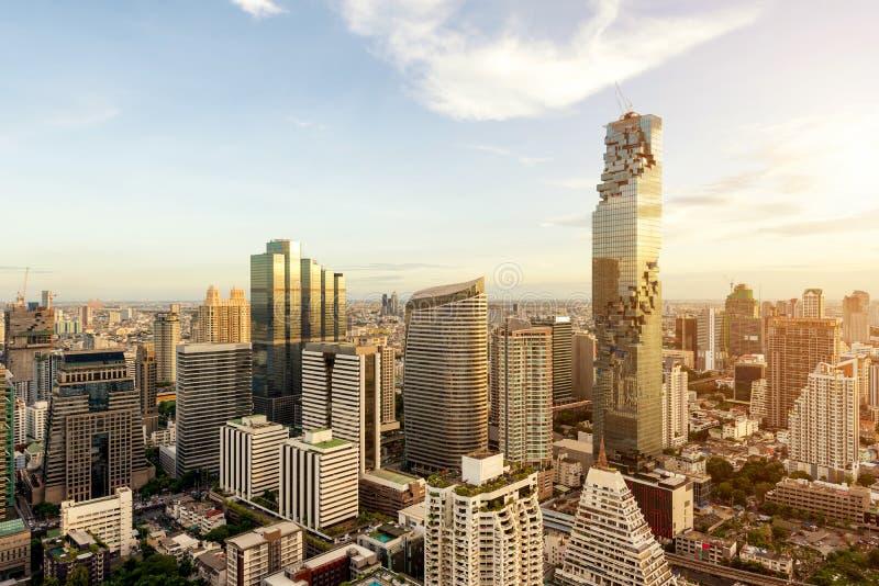 Bangkok miasto z drapaczem chmur i miastowa linia horyzontu przy zmierzchem zdjęcia royalty free