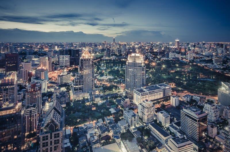 Bangkok-Nachtstadtbild stockfotos
