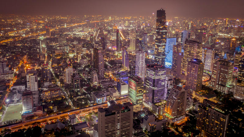 Bangkok nattstad royaltyfri bild