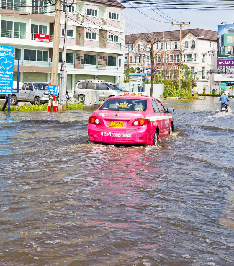 Download Bangkok-Nov 08 : Taxi Drives In Water Flood Road Editorial Photo - Image of real, home: 22098696