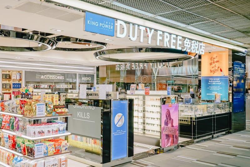 Bangkok NOV 22,2018: Tienda con franquicia del poder del rey en Don Mueang Airport, Bangkok de Tailandia, imagenes de archivo