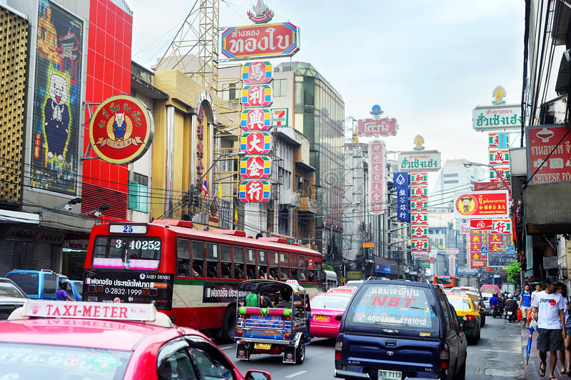 Download Bangkok's Chinatown editorial photography. Image of downtown - 19841637