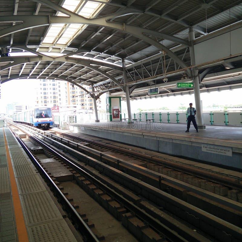 bangkok skytrain royaltyfri bild