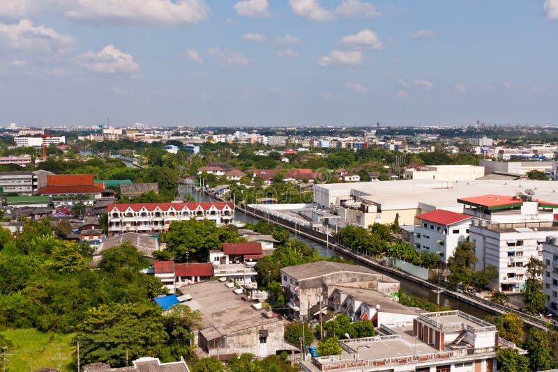 Bangkok-Stadtbild nahe Kanal stockfotografie