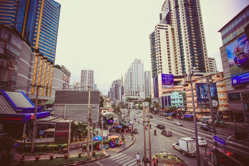 Bangkok, Tailandia 3 de agosto de 2014 Tráfico a lo largo de a fotos de archivo