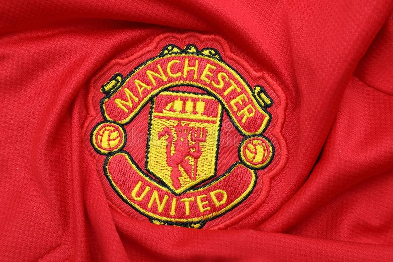 BANGKOK, TAILANDIA - 12 DE JULIO: El logotipo del Manchester United Footb foto de archivo libre de regalías