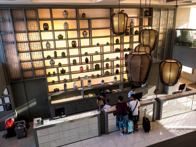 BANGKOK, TAILANDIA - 13 de junio de 2017: Recepción de la estación central Bangkok del hotel primero imágenes de archivo libres de regalías