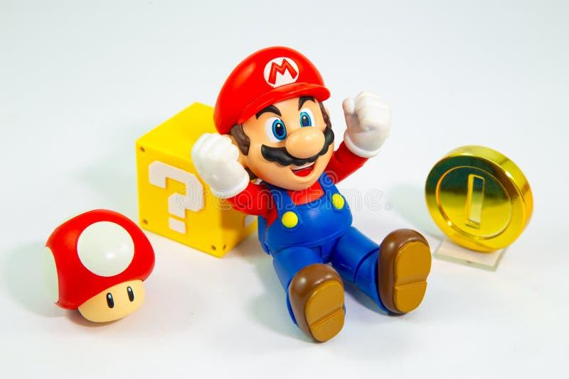 Bangkok, Tailandia - 27 de marzo de 2016: Figura estupenda cha de Mario Bros imagen de archivo libre de regalías