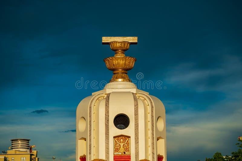 Bangkok, Tailandia - 3 de mayo de 2019: El monumento Anusawari Prachathipatai de la democracia Fue comenzado en 1939 para conmemo imágenes de archivo libres de regalías