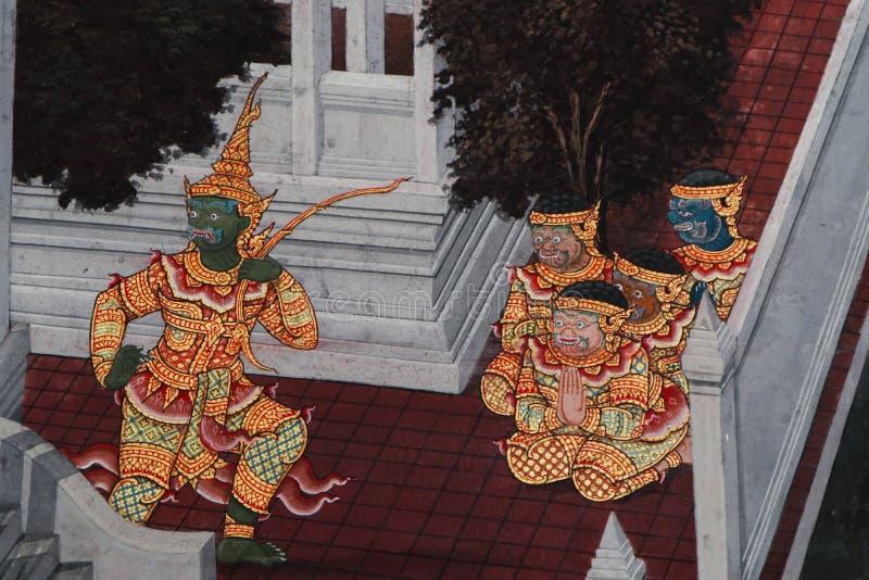 Bangkok, Tailandia - 18 de mayo de 2019: Las pinturas murales de Ramakian Ramayana a lo largo de las galer?as del templo de Emera foto de archivo libre de regalías