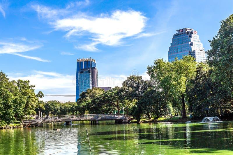 Bangkok, Tailandia - 27 de noviembre de 2016: Parque de Lumpini foto de archivo