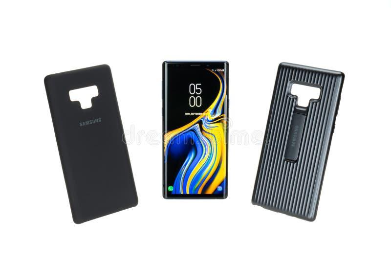 Bangkok, Tailandia - 12 de septiembre de 2018: El smartphone de la nota 9 de la galaxia de Samsung con la cubierta protectora de  imagen de archivo libre de regalías