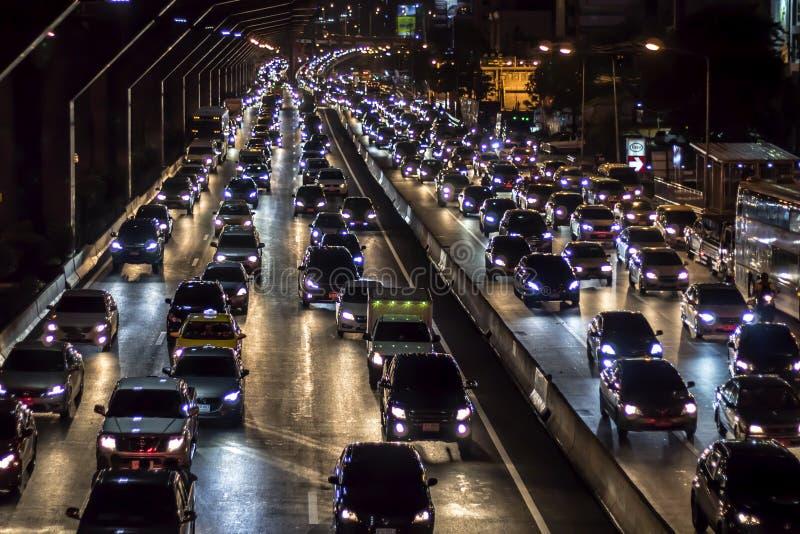 Bangkok, Tailandia-julio 30,2019: El tráfico en las calles principales de Bangkok se atasca fotos de archivo