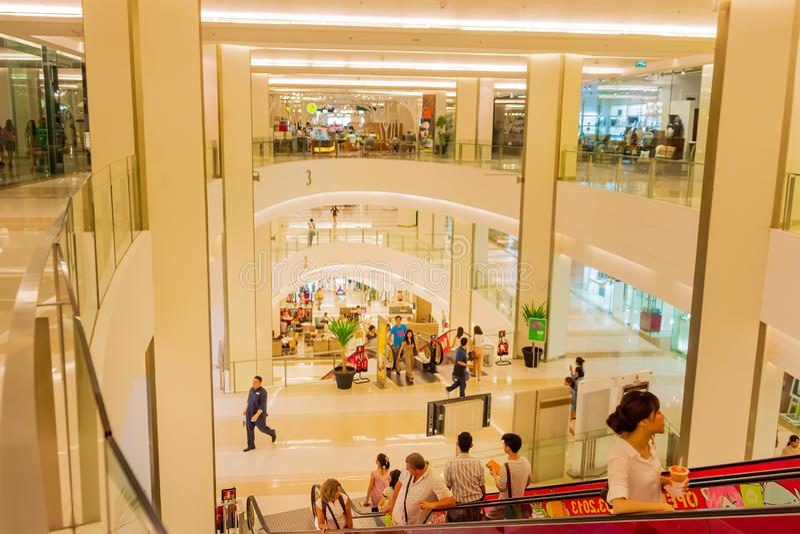 Bangkok, Tailandia, marzo de 2013 interior moderno de Siam Shopping Mall imagenes de archivo
