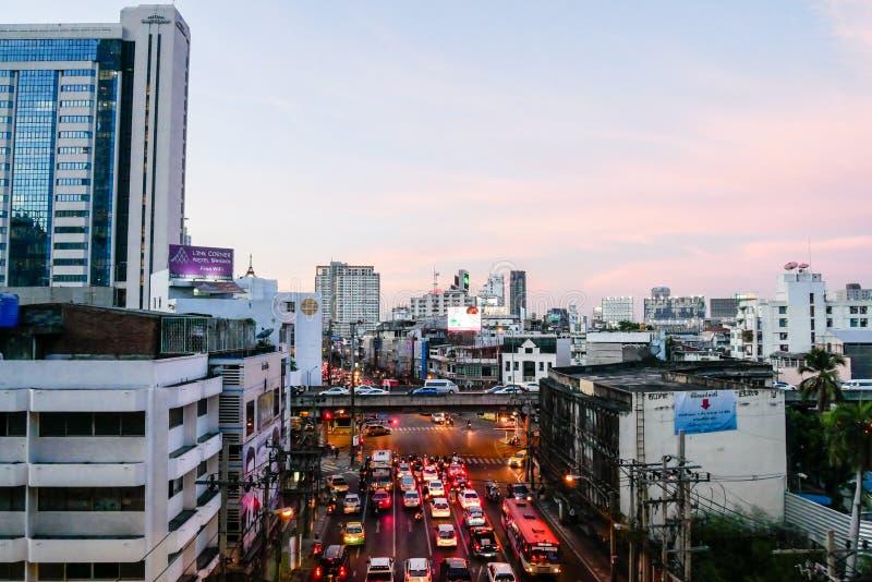 BANGKOK, TAILANDIA - 20 MARZO 2017: Vista della città del mercato di Pratunam fotografia stock