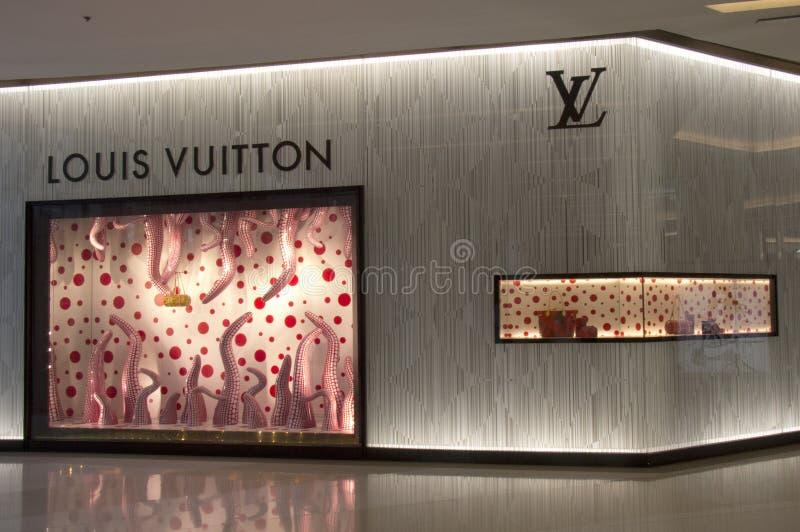 BANGKOK, TAILANDIA - 11 ottobre: Deposito di Louis Vuitton in Siam Parago fotografia stock libera da diritti