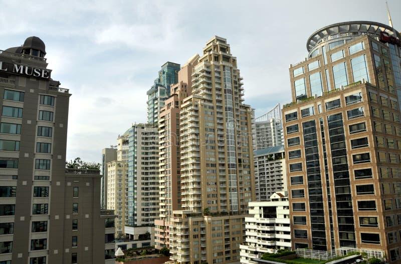 Bangkok, Tailandia: Torrette moderne dell'appartamento fotografie stock libere da diritti