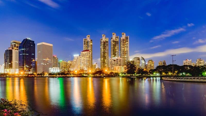 Bangkok, Tajlandia Czerwiec 3, 2017: Bangkok miasta biuro i linia horyzontu fotografia royalty free