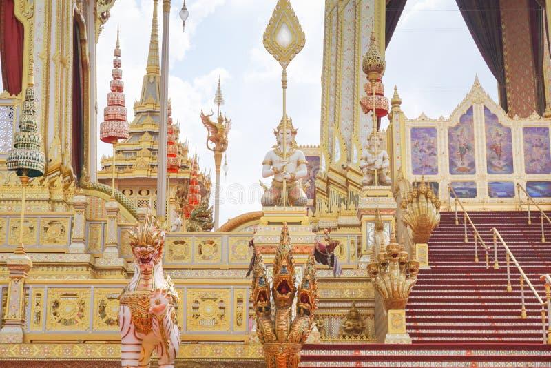 Bangkok Tajlandia, Listopad, - 10, 2017: Królewska Crematorium wystawa królewiątko Bhumibol Adulyadej przy SanamLuang fotografia royalty free