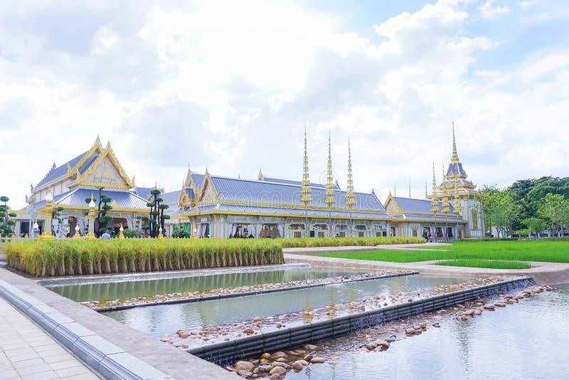 Bangkok Tajlandia, Listopad, - 10, 2017: Królewska Crematorium wystawa królewiątko Bhumibol Adulyadej przy SanamLuang zdjęcie stock