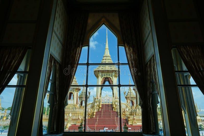 Bangkok Tajlandia, Listopad, - 10, 2017: Królewska Crematorium wystawa królewiątko Bhumibol Adulyadej przy SanamLuang zdjęcia royalty free