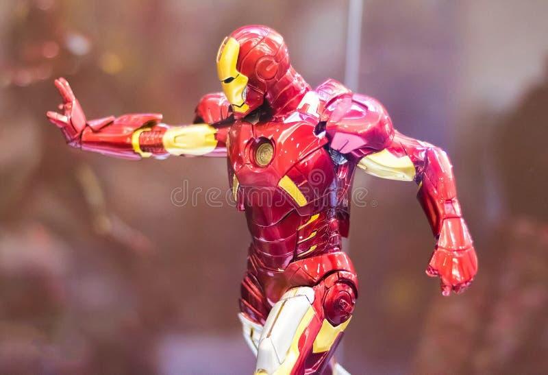 Bangkok Tajlandia, Maj, - 6, 2017: Charakter Iron Man lub Tony Surowy model w m?ciciela filmu na pokazie przy ?rodkowym ?wiatem,  zdjęcia stock